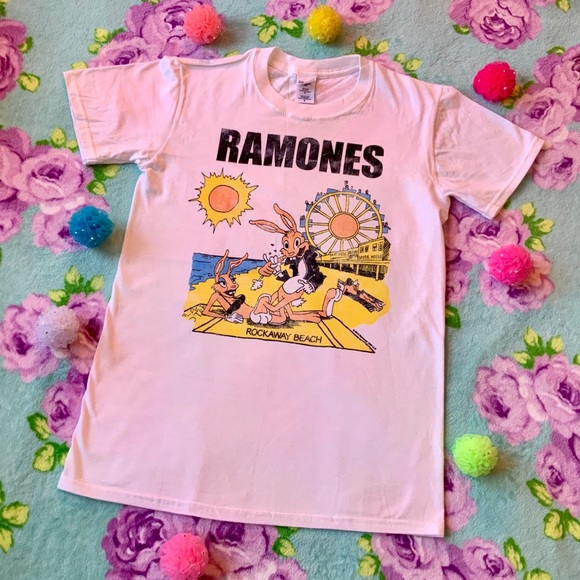 4e96dfe5 Gildan Tops | Ramones Rockaway Beach Punk Rock T Shirt White S ...